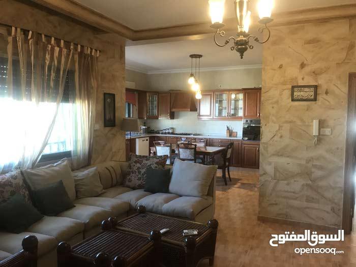 شقة للايجار الموقع دير غبار