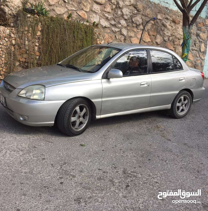 للبيع  سيارة كياموترز..ريو موديل 2005. الماتور 1500