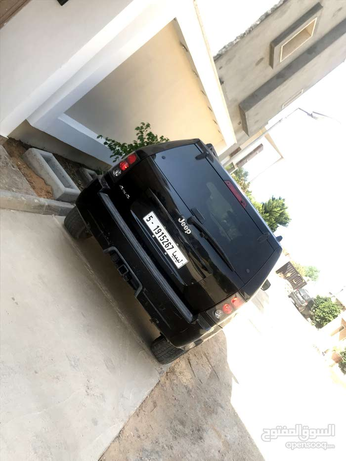 Black Jeep Cherokee 2006 for sale