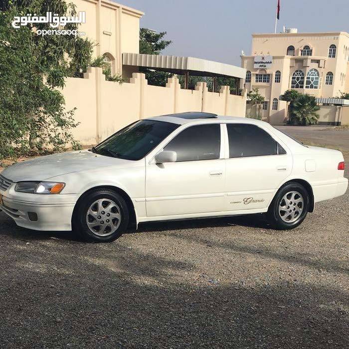 Toyota Camry 1998 For sale - White color
