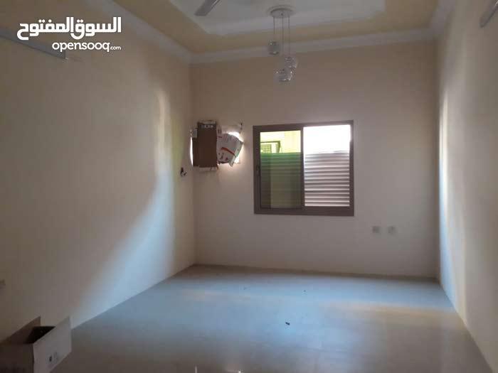 شقه 2غرفه نوم للايجار في سند قريبه من حلويات طارق