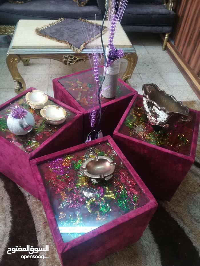 طاولات للبيع استعمال خفيف زجاج من فوق