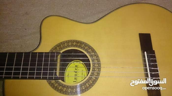جيتار كلاسيك للبيع