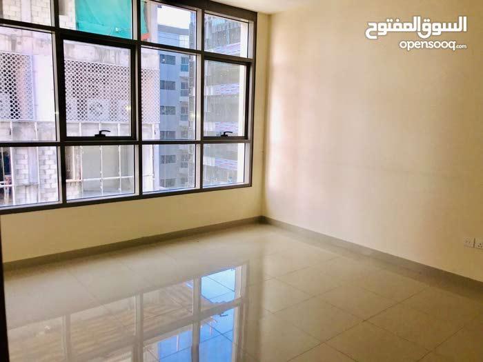 شقة مميزة للايجار غرفة وصالة بالنهدة الشارقة