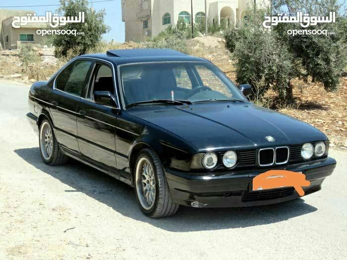 Manual BMW 1993 for sale - Used - Mafraq city
