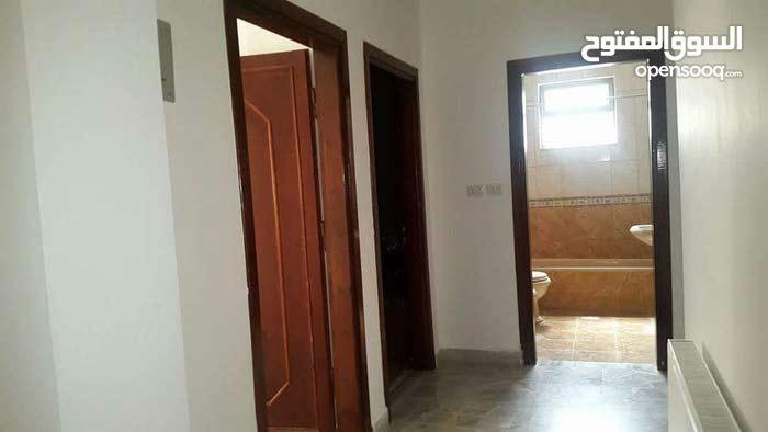 A 4 Rooms and 3 Bathrooms Villa in Amman