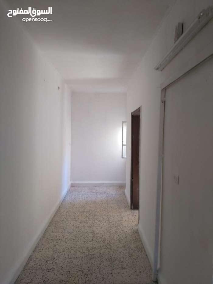 Hay Al Hussain neighborhood Zarqa city - 100 sqm apartment for rent