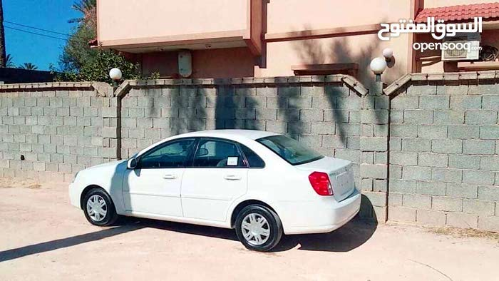 White Chevrolet Optra 2013 for sale