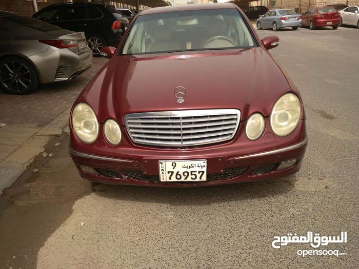 Mercedes Benz E 240 2004 For sale - Maroon color