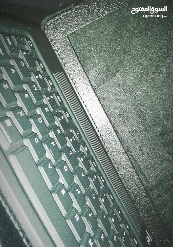 IPad 2 cover with Bluetooth keyboard