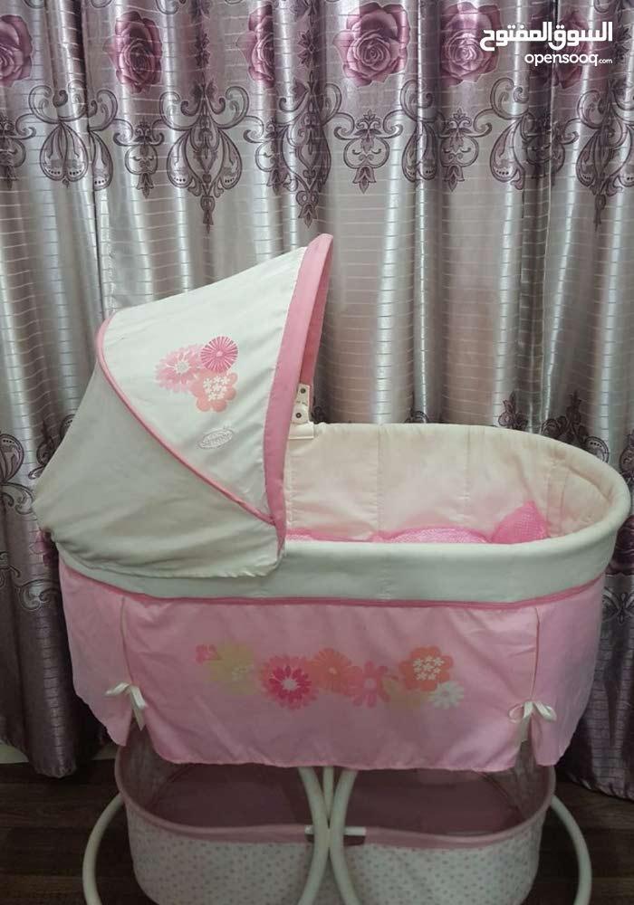 Baby Crib Hardly Used.
