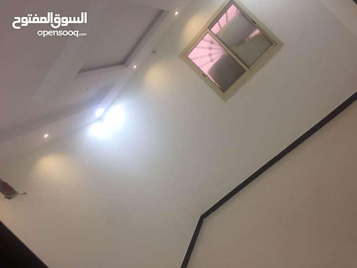 حي نمار.   نجم الدين    مكونه من 3غرف. وصاله و2حمام.  ومطبخ