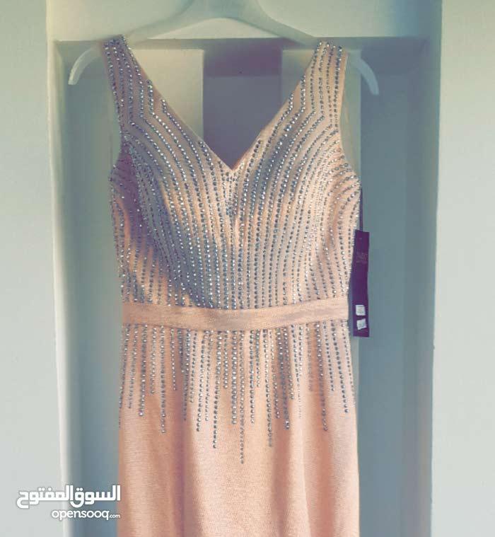 فستان سهرة جديد راقي جدا للبيع