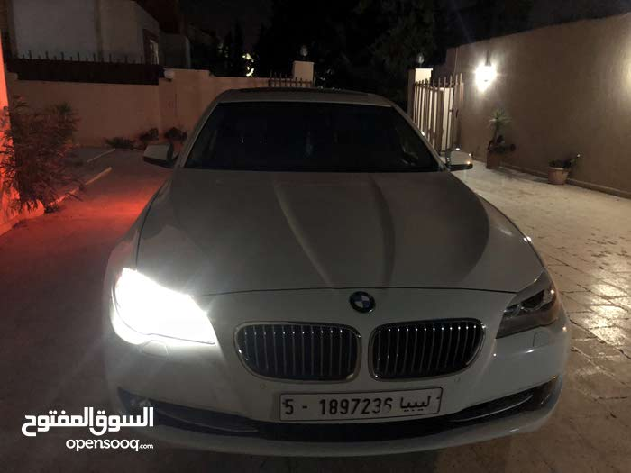 BMW 523 in Tripoli