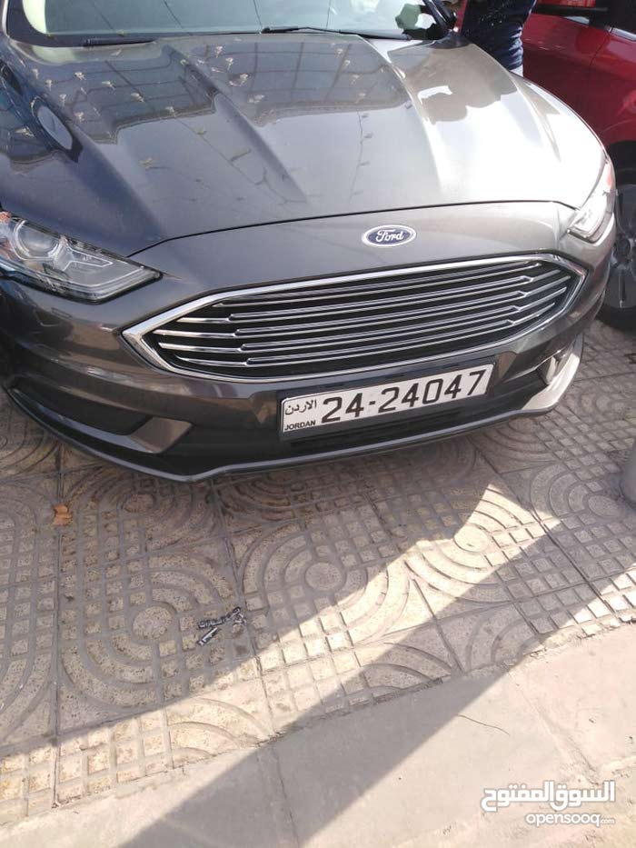 Automatic Grey Ford 2017 for sale