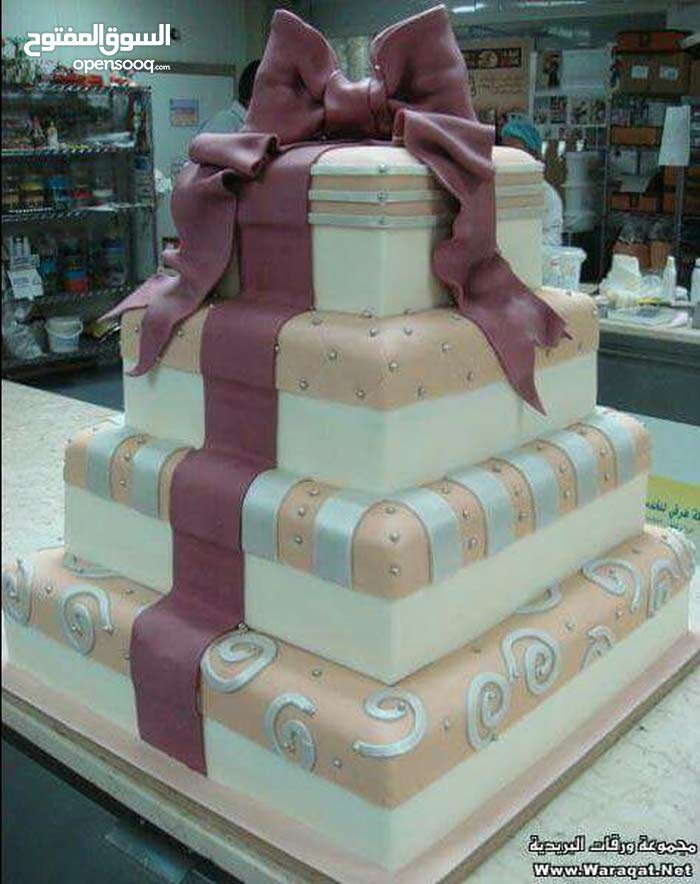 شيف حلويات عمومي ومدير مصنع خبىا 20 سنة اشتغلة في السعودية و قطر سلطنة وكويت
