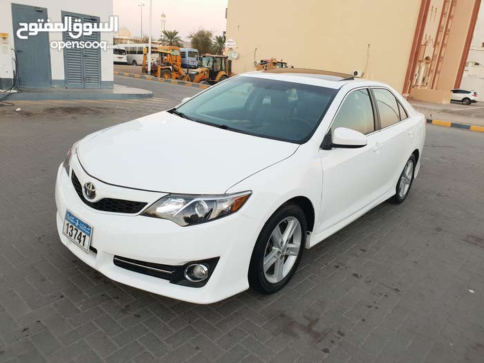 Toyota Camry car for sale 2012 in Ibri city
