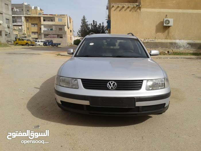 Used condition Volkswagen Passat 1998 with +200,000 km mileage
