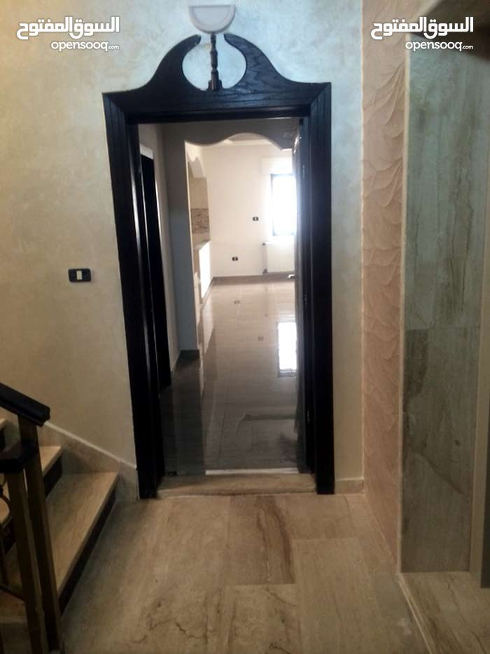 Jabal Al Hussain apartment for sale with 3 rooms