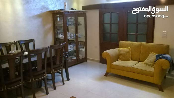 Al Hay Al Sharqy apartment for sale with 4 rooms