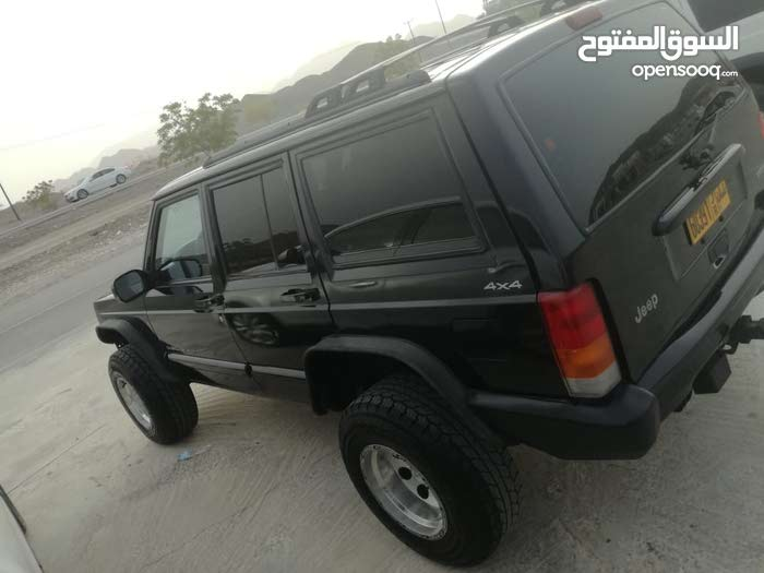 Black Jeep Cherokee 2000 for sale