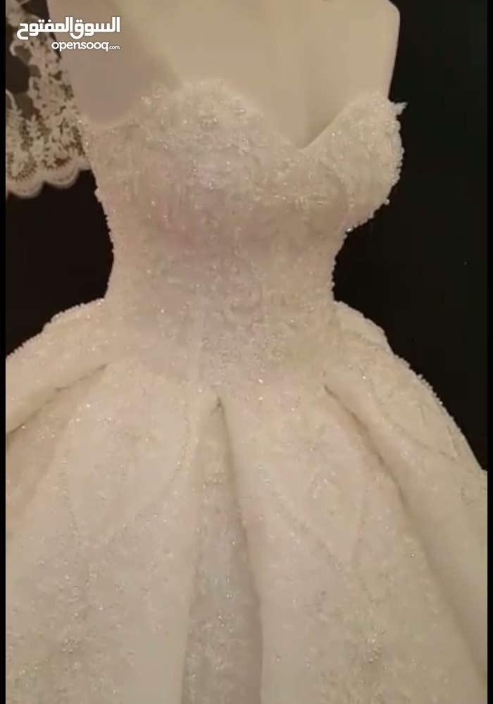 فستان عرس مميز للايجار
