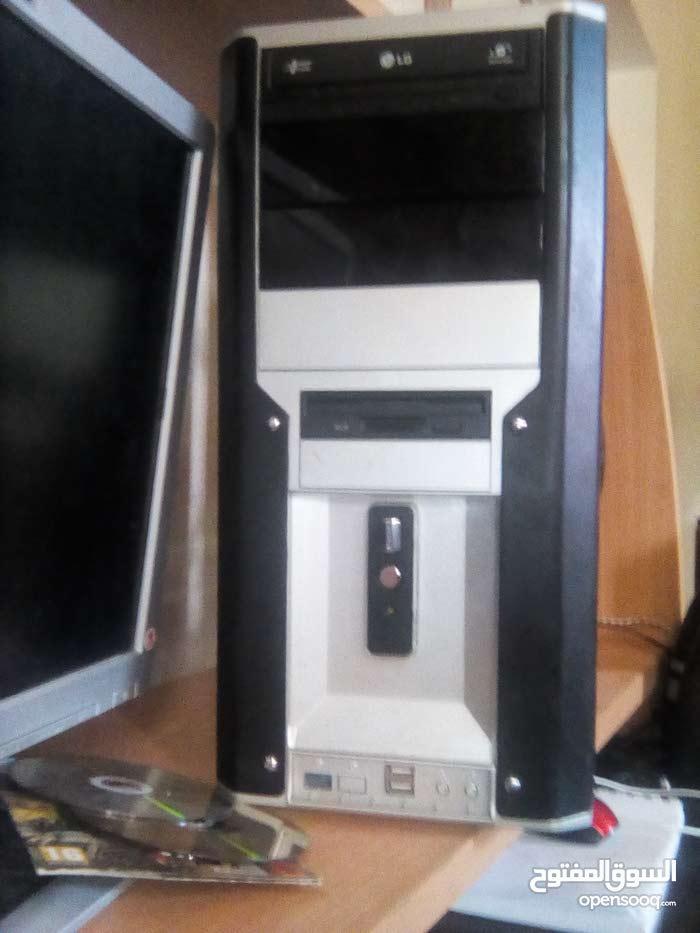 كمبيوتر  مكتبي ويندوز 8 للبيع