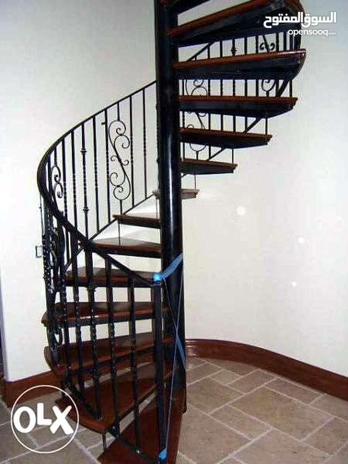الورشة لتصنيع جميع انواع السلالم الحلزوني والعدية بأشكال مختلف