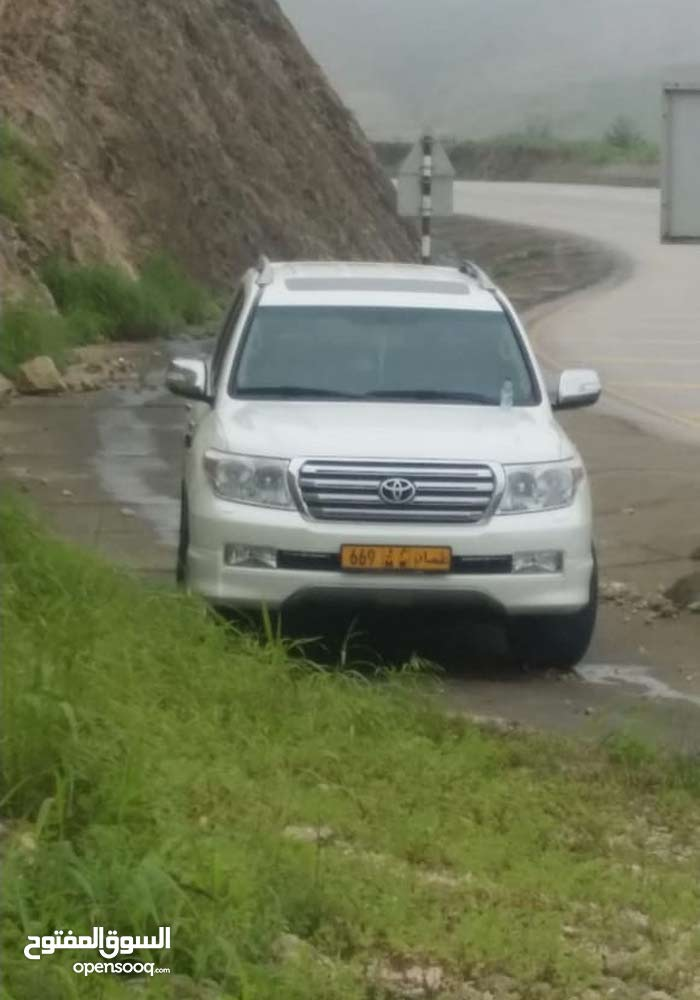Toyota Land Cruiser car for sale 2011 in Salala city