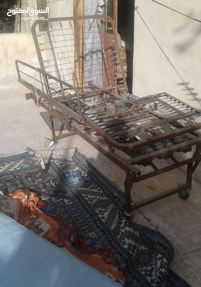 سرير طبي كهربائي للبيع