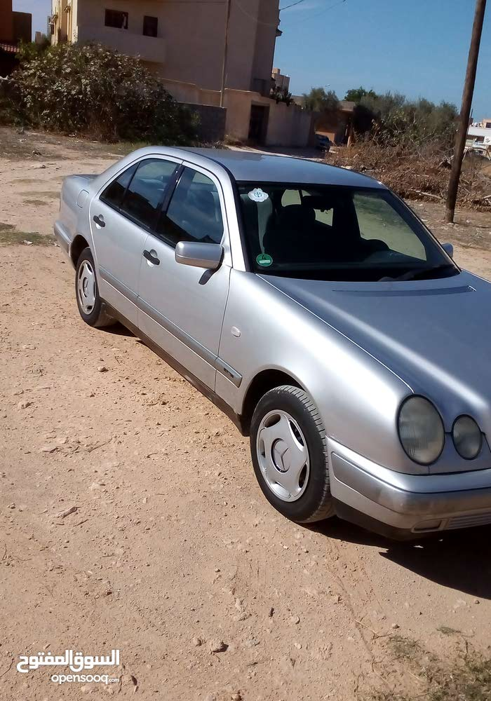 Automatic Mercedes Benz 2002 for sale - Used - Al-Khums city