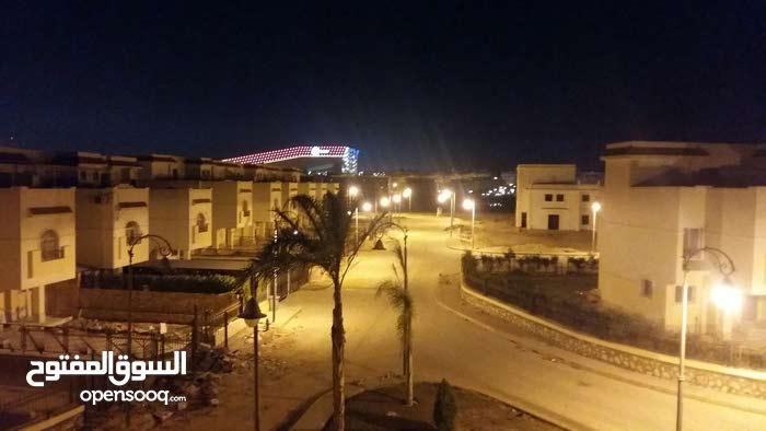 شقة للبيع دريم ليك وأمام فندق موفمبيك ومدينة الإنتاج الإعلامي بجوار مول مصر مباش