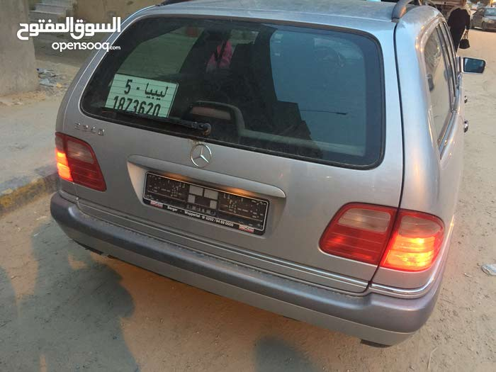 Automatic Grey Mercedes Benz 2000 for sale