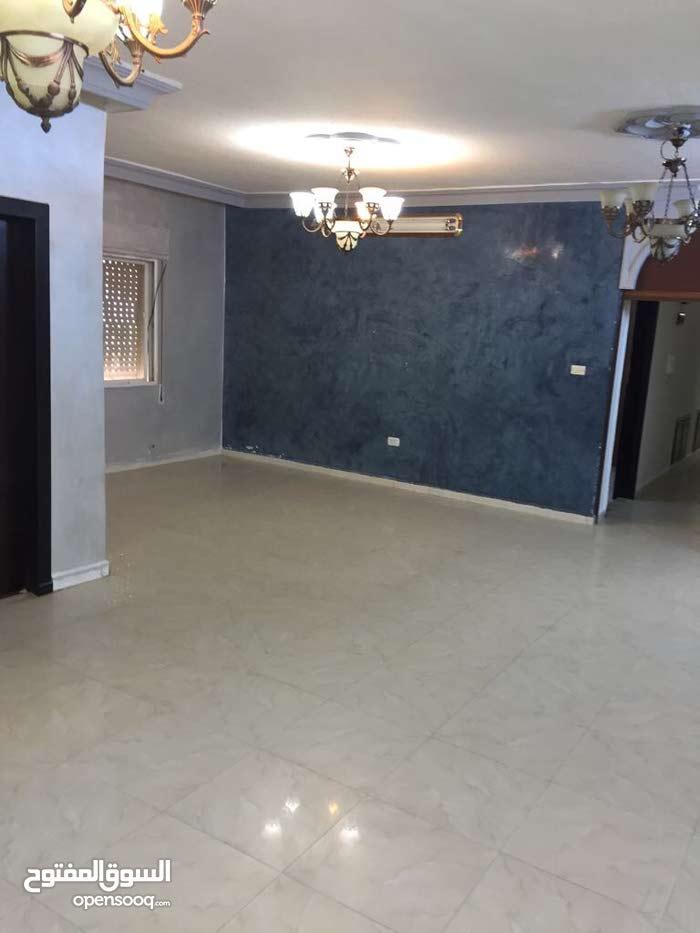 شقة 173م للبيع في طبربور دوار اسكان المحامين بجانب مدارس الحجاز