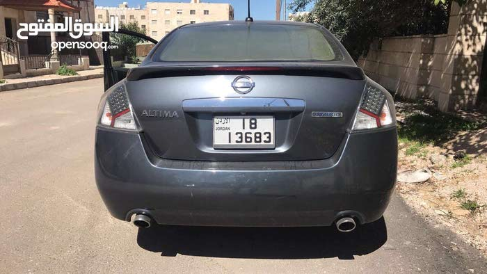 Automatic Grey Nissan 2009 for sale