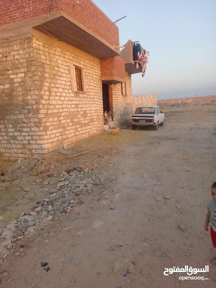 منزل للبيع فى مرسى مطروح مكون من 3 غرف و2 حمام ومطبخ وصالة وطرقة