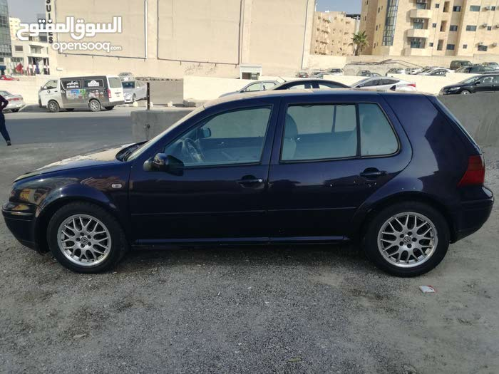 Used condition Volkswagen Golf 2002 with 0 km mileage