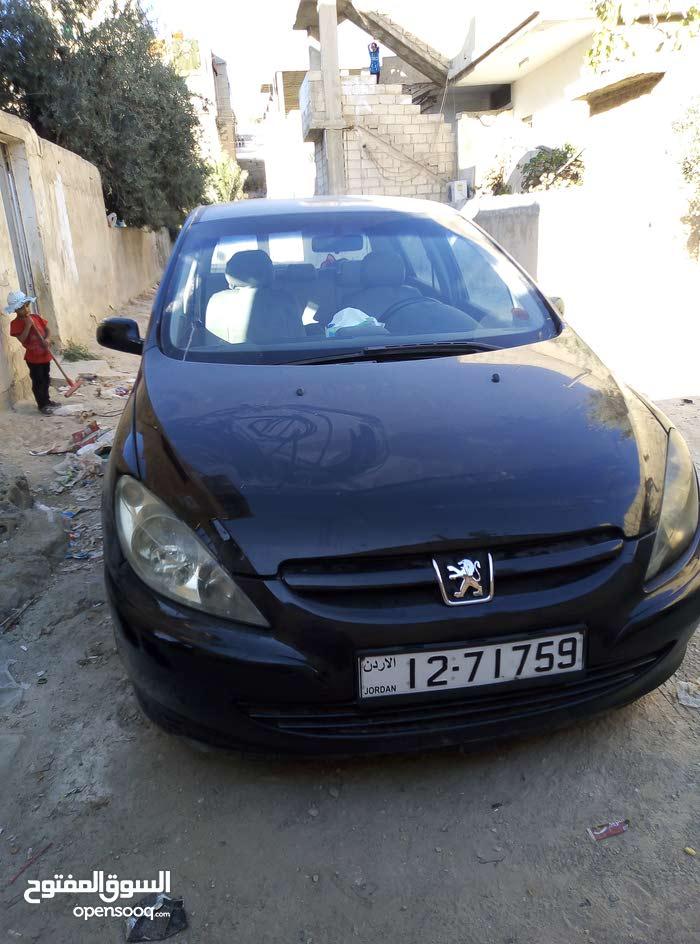 سيارة بيجو 2005