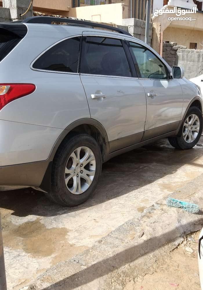 Used condition Hyundai Veracruz 2009 with +200,000 km mileage