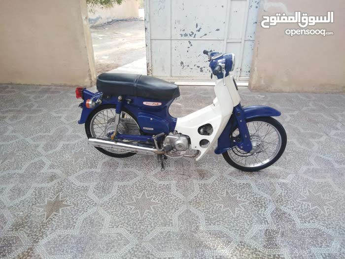 Used Honda motorbike available in Hamra