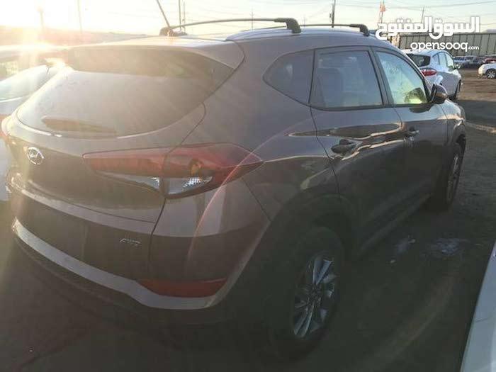 Hyundai Tucson 2017 For sale - Brown color