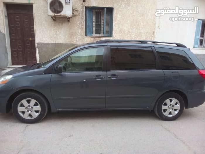 140,000 - 149,999 km mileage Toyota Siena for sale