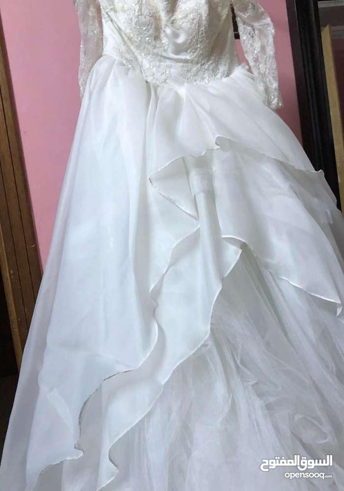 فستان جميل وناعم للزواج والشبكه مقاس سمول