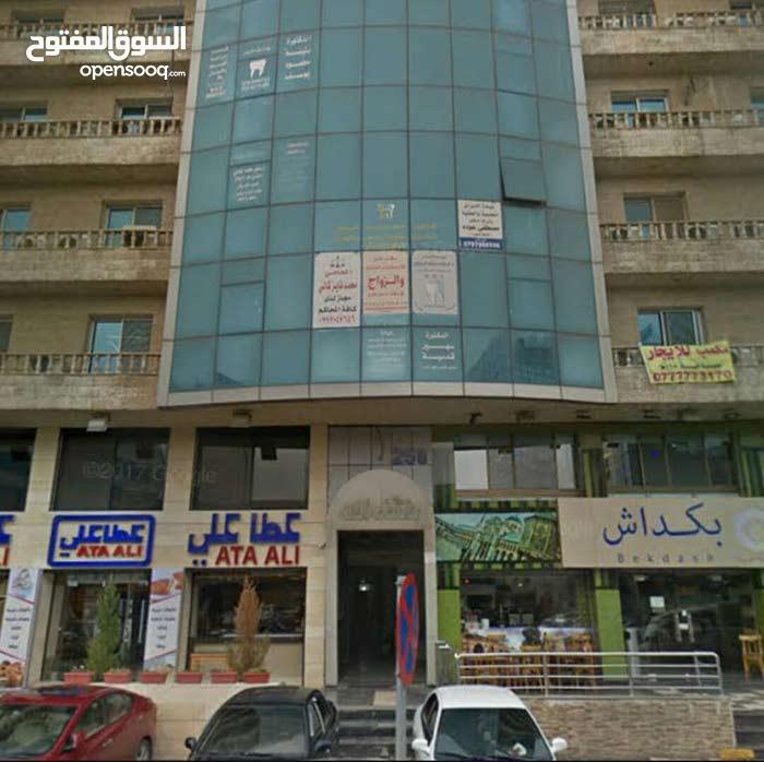 مكتب للايجار شارع المدينة المنورة