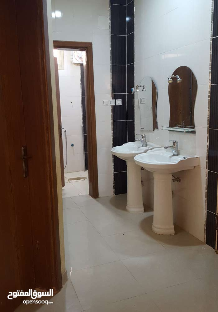 First Floor Unfurnished apartment for rent with 4 Bedrooms rooms - Buraidah city
