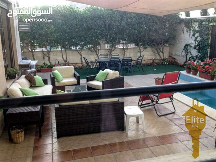 Villa consists of More Rooms and More than 4 Bathrooms in Amman