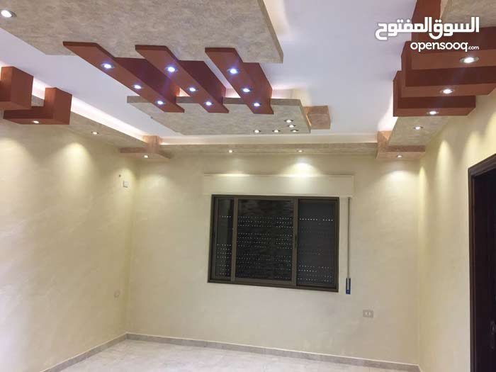 4 rooms  apartment for sale in Amman city Al Muqabalain
