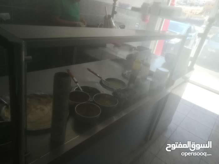 مطعم حمص و فلافل للبيع في ابو نصير