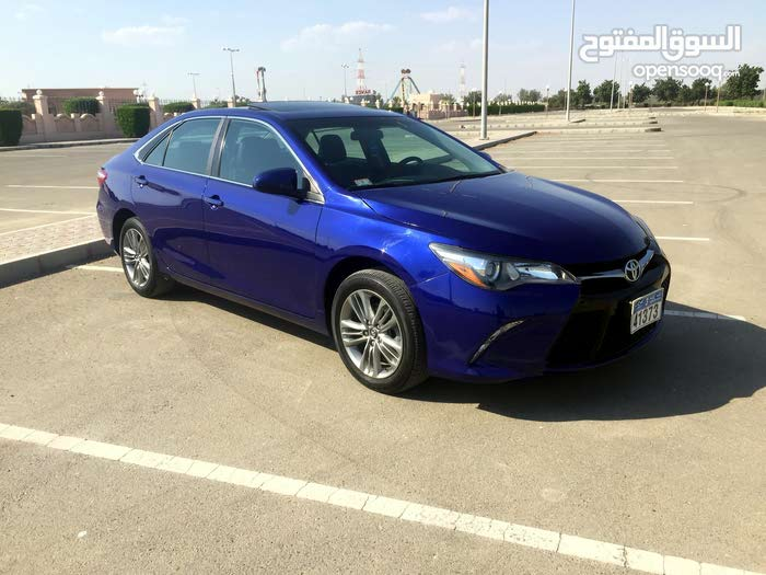Toyota Camry 2016 For sale - Blue color