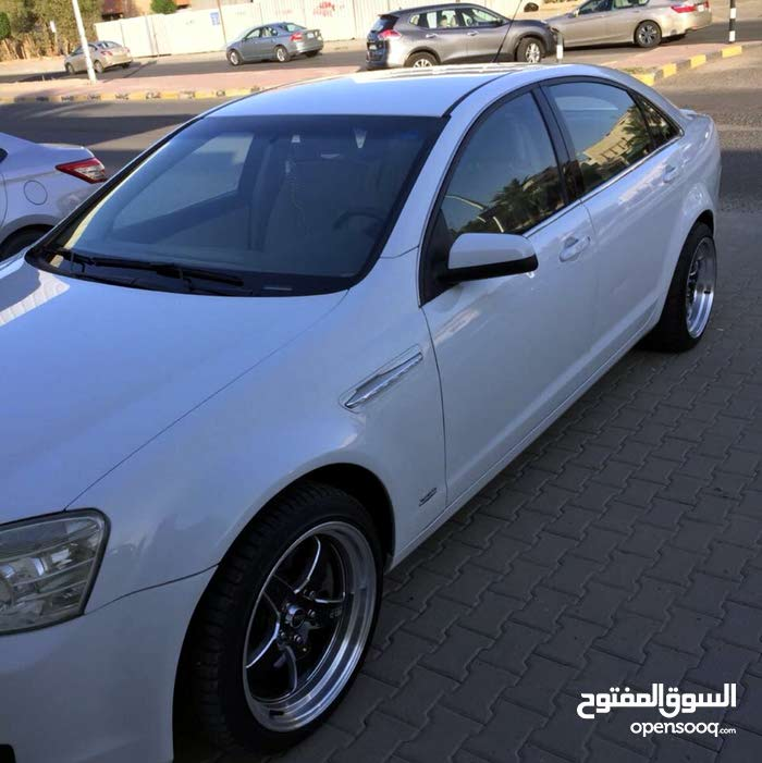 Chevrolet Caprice car for sale 2011 in Hawally city